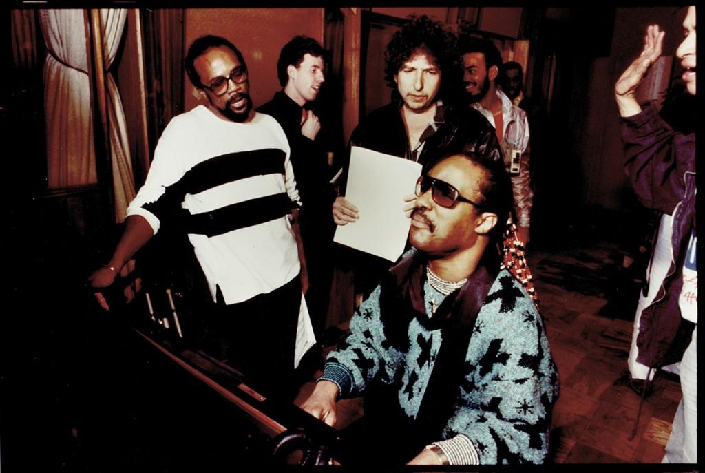 We Are the World-Quincy Jones, db, Bob Dylan, Stevie Wonder-1984-85
